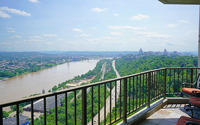 Expansive Information On The Edgecliff Point Condominiums